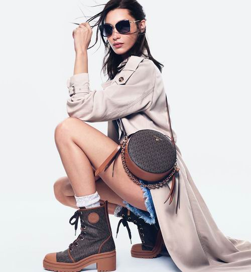 新款加入!Michael Kors精选美包、美衣、美鞋、首饰、手表3.8折起!低至29加元+无门槛包邮!