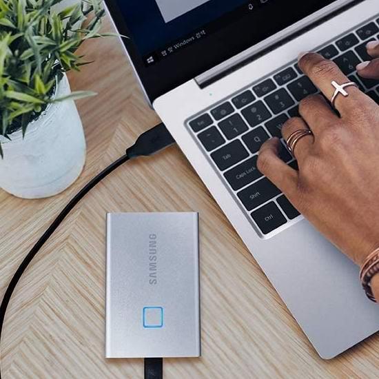 历史最低价!Samsung 三星 T7 MU-PC500S 500GB 指纹解锁 移动固态硬盘 169.99加元包邮!2色可选!