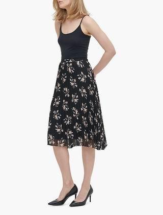 Calvin Klein官网大促!全场时尚服饰、内衣等6折起+额外8折!明星同款低至22.37加元!