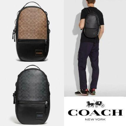 Coach 男士帆布Logo图案双肩包 3.6折 179加元(2色),原价 495加元,包邮