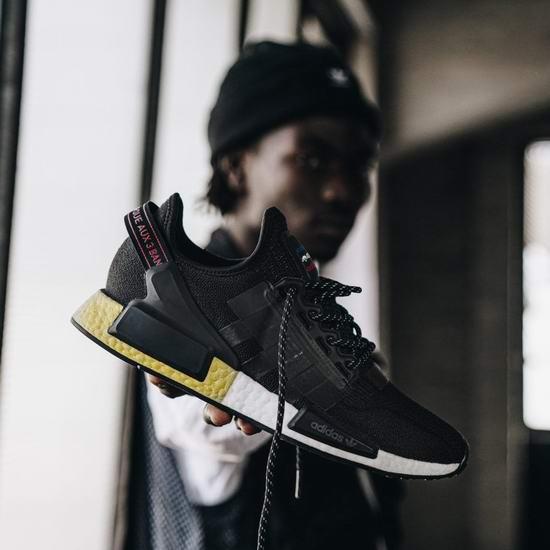adidas返校季大促!精选成人儿童运动鞋6.5折起+额外6折+包邮!入NMD、Ultraboost、Stan Smith系列!