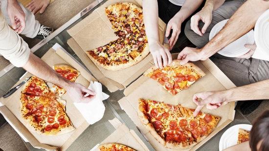 Pizza Hut 必胜客 购买大号披萨,再买3个以内中号披萨每个仅需5加元!