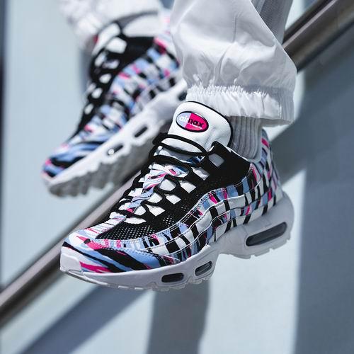 Nike Air Max 95  韩国国家主题版 运动鞋 177.99加元,原价 235加元,包邮