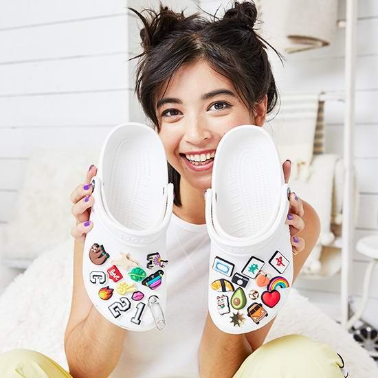 Crocs卡洛驰官网大促!精选洞洞鞋、休闲鞋、凉鞋等4折起+变相额外8折!