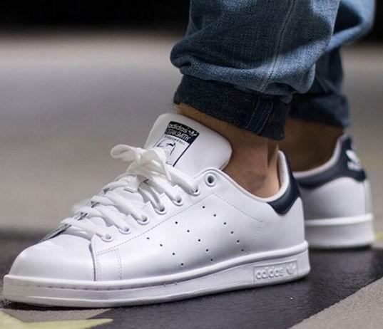 adidas Originals Stan Smith男士蓝尾小白鞋 61.6-77加元 (4-6.5码),原价 110加元,包邮