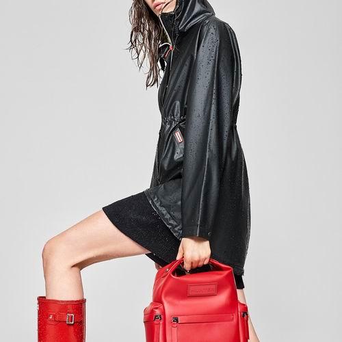 新款加入!Hunter官网大促!精选时尚雨靴、雨衣、背包、保暖袜等5折起+无门槛包邮!