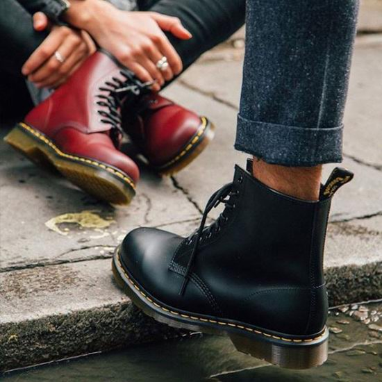 精选多款 Dr. Martens 男女时尚马丁靴5.5折起+包邮!