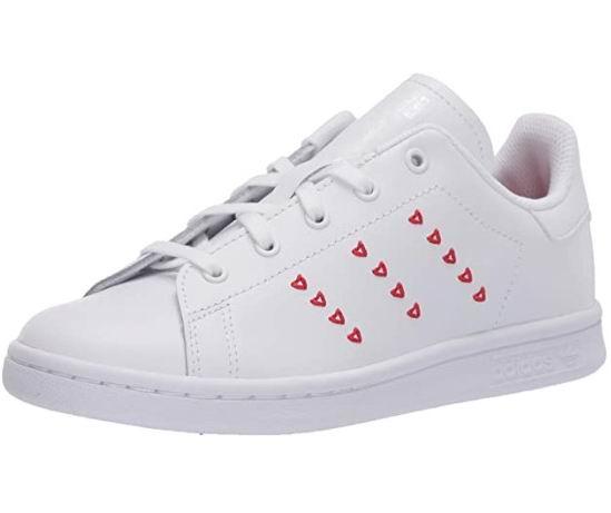adidas Originals大童Stan Smith爱心小白鞋 43.92加元(5.5码),原价 90加元,包邮