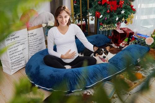 Meiz 65 英寸 U型身体支撑枕/孕妇身体枕 84.59加元,原价 102.59加元,包邮