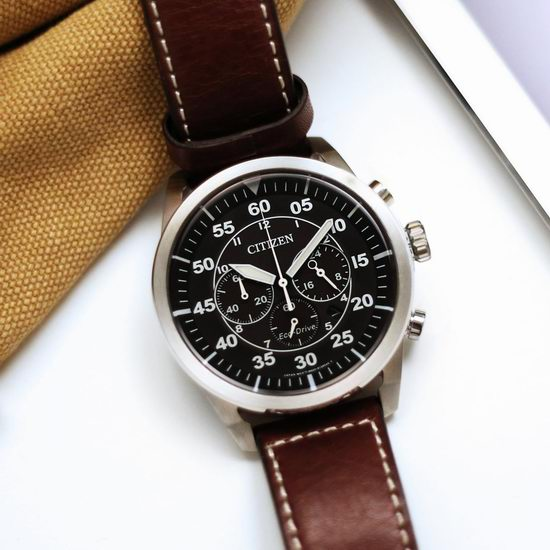 历史新低!Citizen 西铁城 Avion CA4210-24E 男士时尚三眼光动能腕表/手表3.6折 136.5加元包邮!