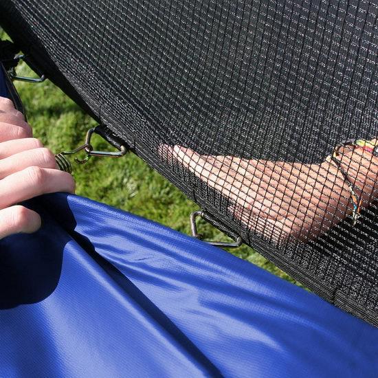 逆季促销!Skywalker Trampolines 8英尺 带保护罩 封闭蹦床6.2折 154.97加元包邮!