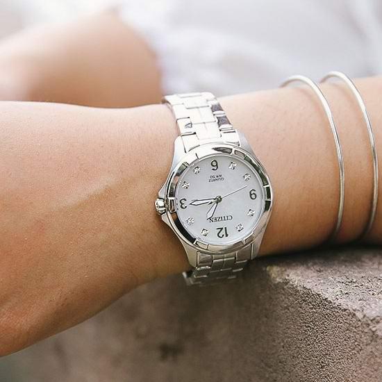 历史新低!Citizen 西铁城 EU6080-58D 施华洛世奇水晶 女式腕表/手表5.5折 107.2加元包邮!
