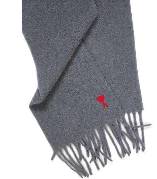 AMI 法国小众品牌 爱心T恤、运动衫 、卫衣、毛衣 3折起+满立减25加元,封面款羊毛混纺围巾 174.95加元、T恤 99.95加元