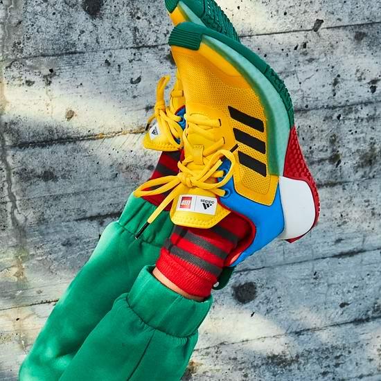新品 adidas x LEGO 乐高联名儿童系列运动服饰、运动鞋热卖中!