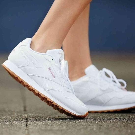 Reebok限时闪购,精选运动鞋、运动服等4折起,低至15加元+包邮!封面款经典小白鞋40加元!