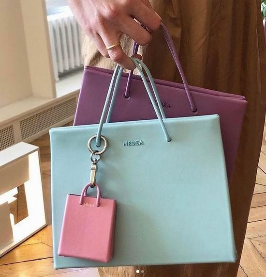 欧美超模明星都爱!Medea极简小众 皮革纸袋包 6折+额外8折,折后低至 327加元