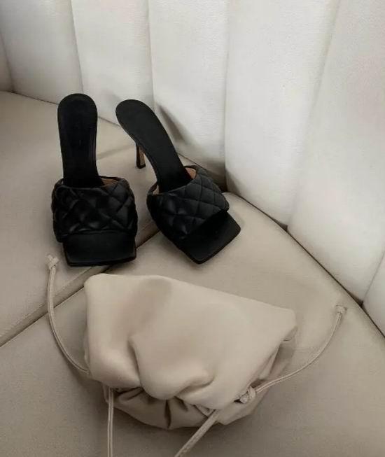 时尚达人追捧!Bottega Veneta 迷你云朵包 6.5折 1420加元,原价 2170加元,包邮
