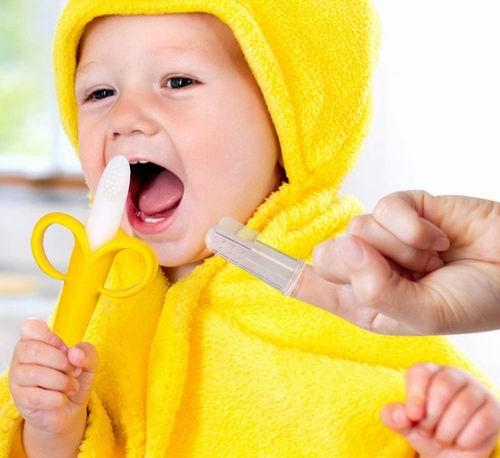 HAILI 婴儿手指牙刷2个+硅胶香蕉训练牙刷 9.34加元