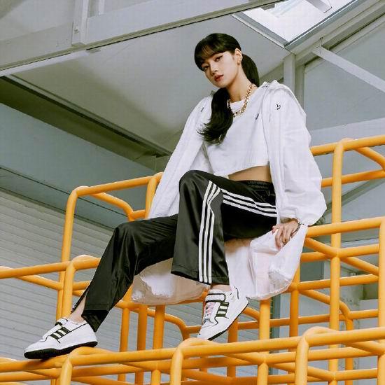 拼手速!白菜价!adidas官网清仓,指定款运动鞋、运动服等全场3折!