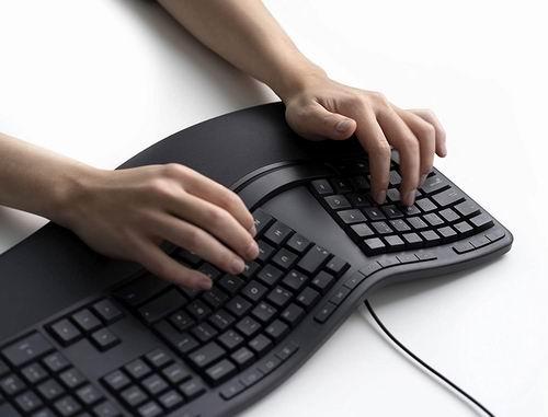 史低价!Microsoft 微软LXM-00001人体工学有线键盘 6.7折 57.27加元,原价 84.99加元,包邮