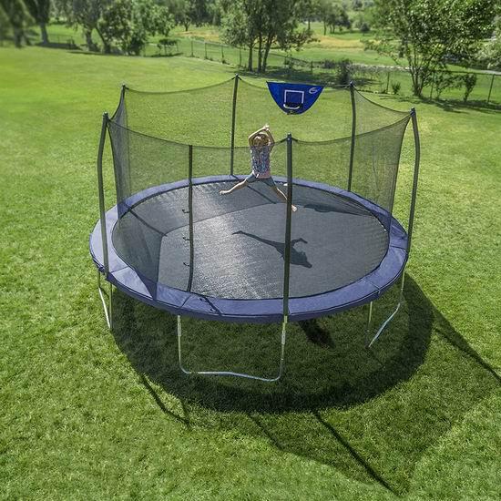 历史新低!Skywalker Trampolines 15英尺超大 带保护罩+篮球框 经典海军蓝 封闭蹦床 365.28加元包邮!