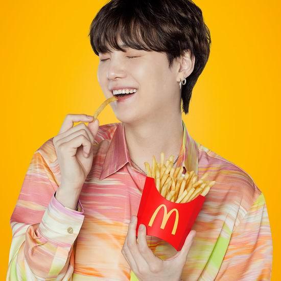 McDonald's 麦当劳 今日免费送薯条!圆筒冰淇淋$1,饮料$1!