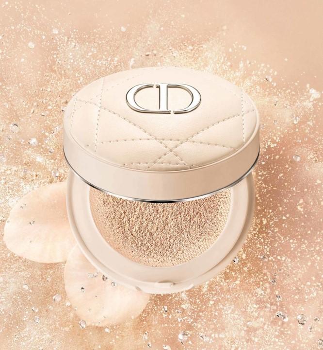 新品Dior Forever Couture Luminizer 超完美持久亮采饼 58加元,完美持久 水嫩立体亮颜