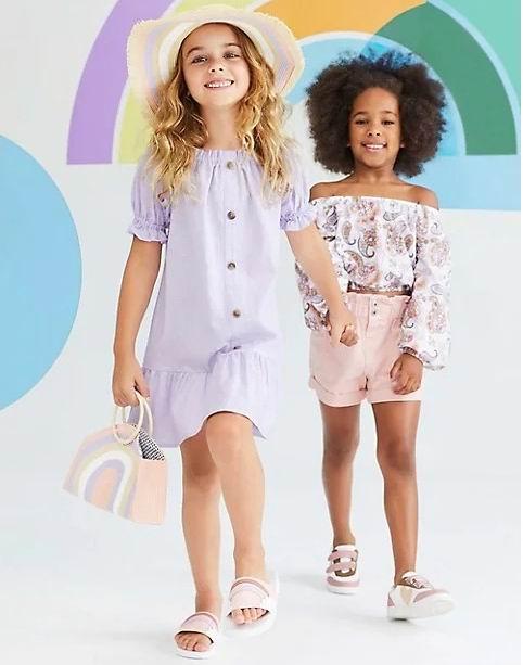 白菜价!The Bay精选儿童T恤、运动衫、连衣裙、运动鞋 、婴儿用品 2.3折 2.99加元起+额外7.5折:Levi's卫衣 12加元、惊喜娃娃 6加元、毛衣 7加元