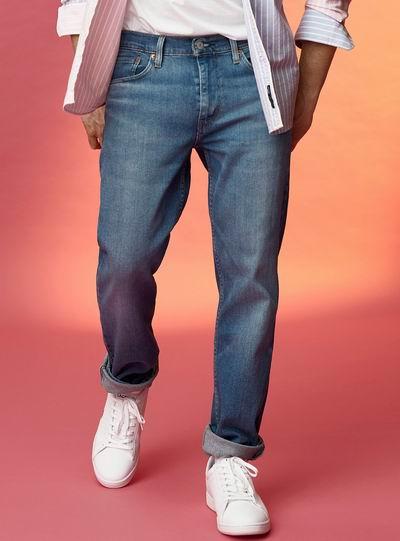 折扣升级!Simons精选小清新T恤、卫衣、轻薄毛衣 、开衫 、裤装 2.5折起+满立减25加元:New Balance 237女士运动鞋 69.95加元、波点连衣裙 19.99加元、PRL Polo衫 49.95加元、Levi's 牛仔裤 29.95加元